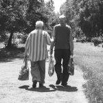高齢者のがんを患う家族に緩和ケアをどう伝えるか