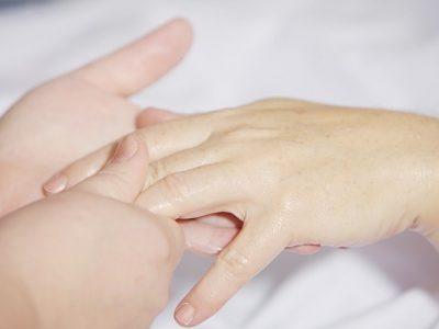 抗がん剤・分子標的薬による皮膚症状の塗り薬の使い方と順番